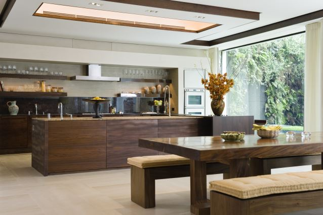 The trend to kitchen eating seems to be leading to the for Nice kitchen pictures